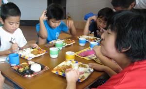 こもれび夏休み昼ご飯02