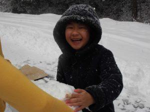 こもれびから雪遊びへ6